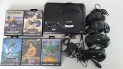 Console Megadrive et 5 jeux