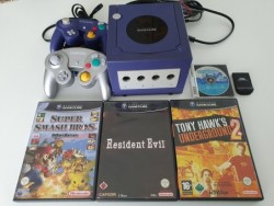 Console Gamecube et 4 jeux