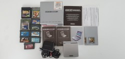 Game Boy Advance SP + 10 games